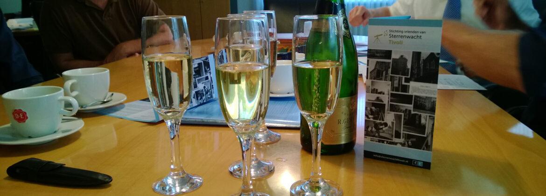 Champagne! Oprichting van Stichting Sterrenwacht Tivoli!!