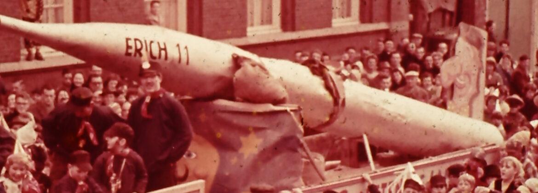 Carnaval in Oudenbosch met als Thema sterrenkunde, 1963